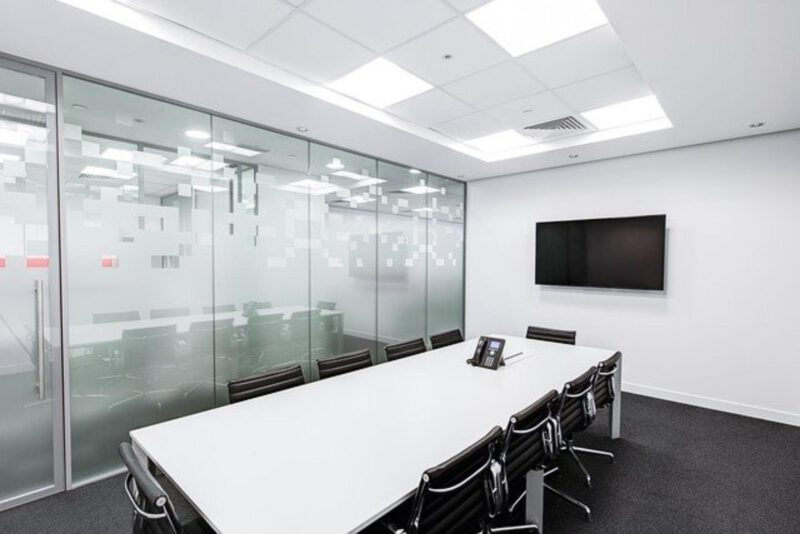 Jakie oświetlenie do biura i gabinetu?